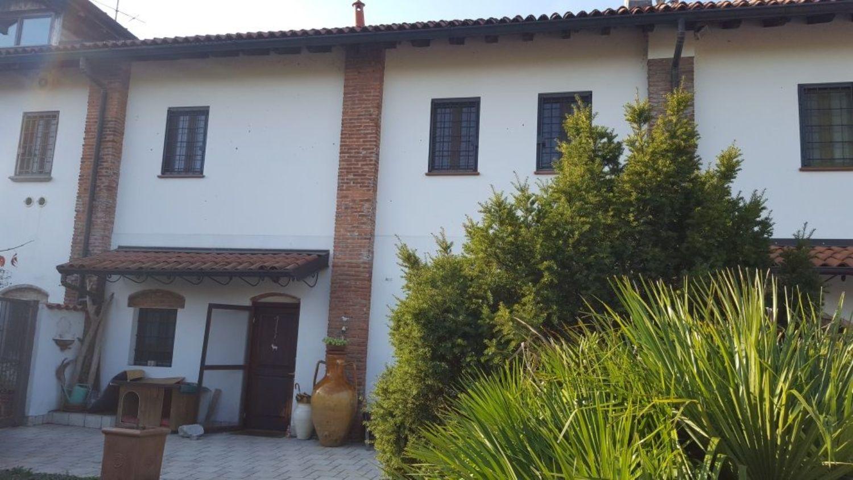 Villa in vendita in via Budrio s.n.c, Baggio, Milano