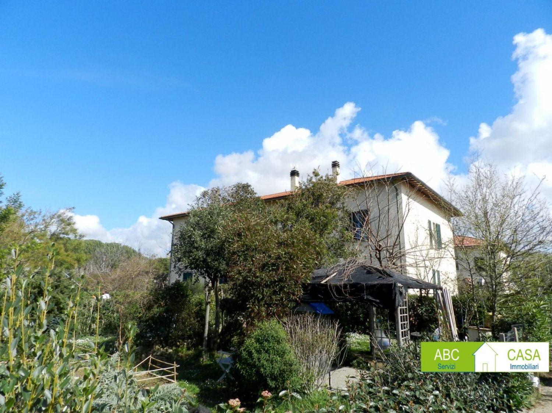 Bagno Lillatro : Casa indipendente in vendita in stazione lillatro rosignano