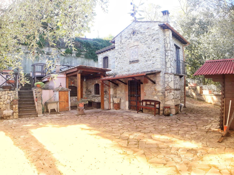 Facciata Casa Di Campagna casa indipendente in vendita in via aldo moro, 99, fiano