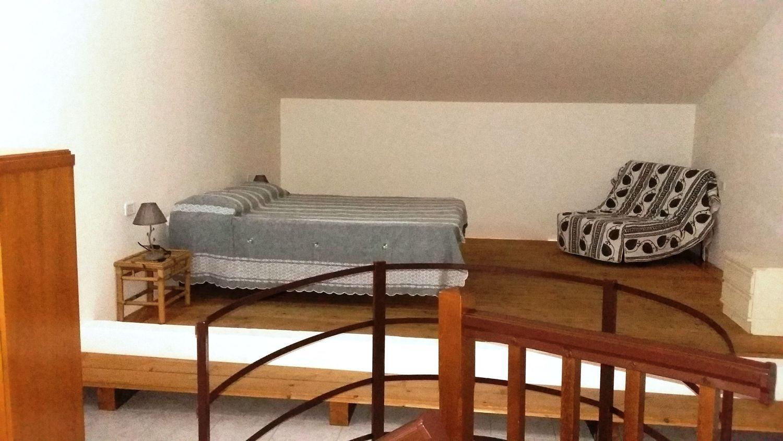 Camera Matrimoniale A Grosseto.Appartamento Su Due Piani In Affitto In Via Della Serenissima Pace