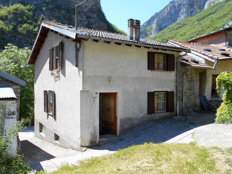 Nava Camere Da Letto.Casa Indipendente In Vendita In Strada Ponte Di Nava 74 Ormea