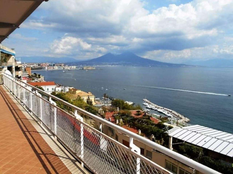Appartamento in vendita in via Francesco Petrarca, Posillipo, Napoli