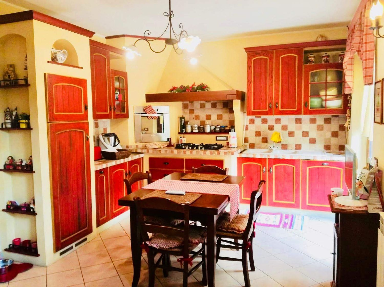 Immagine Cucina di villetta a schiera su strada Ramazzano s.n.c d7f342b8798