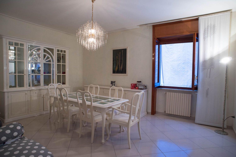 Vasca Da Bagno Spagnolo : Quadrilocale in vendita in vico canale a taverna penta montesanto