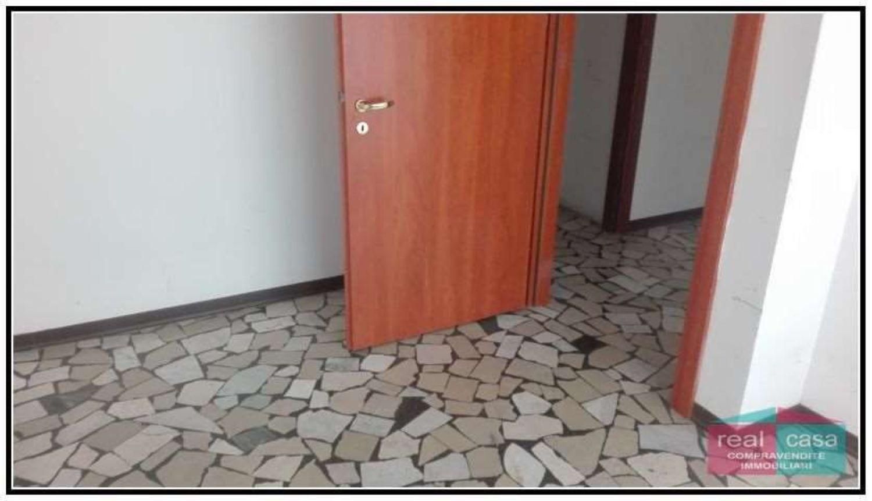 Ufficio Casa Modena : Affitto di ufficio in via pietro giannone s n c buon pastore modena