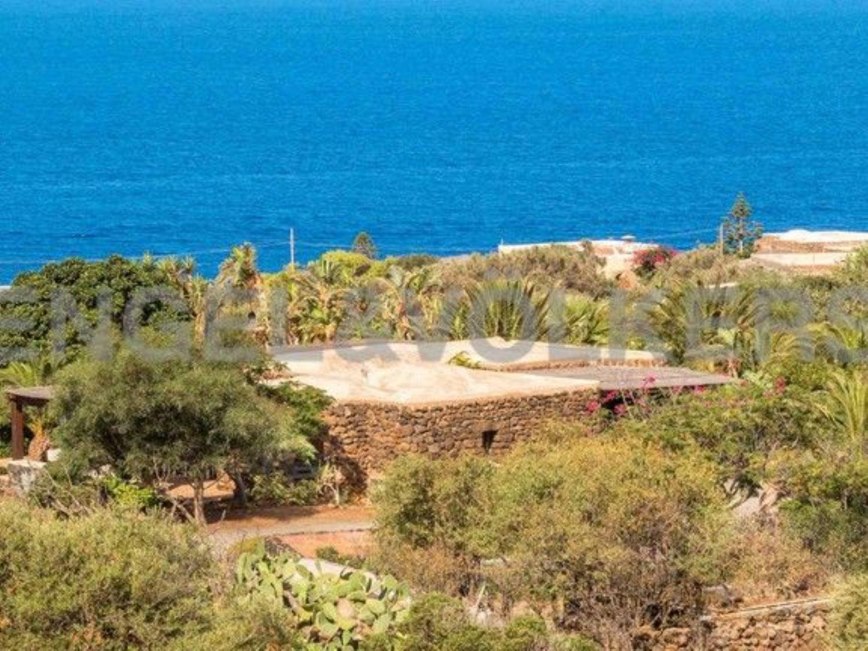 Case Di Pietra Pantelleria : Casa indipendente in vendita in c da penna s n c pantelleria