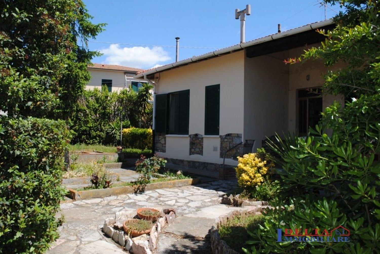 Bagno Lillatro : Villa in vendita in stazione lillatro rosignano solvay rosignano