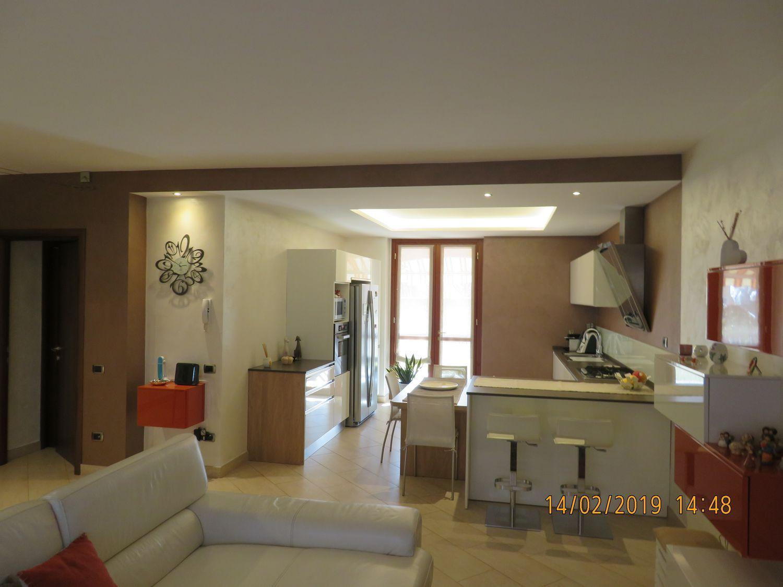 Arredo Bagno Castiglione Olona.Appartamento Su Due Piani In Vendita In 4 Novrembre