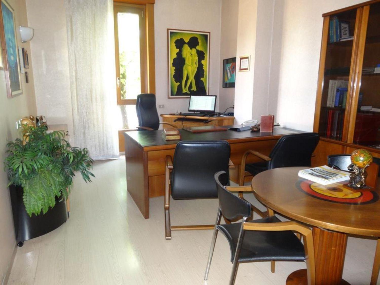 Metri Quadri Ufficio Persona : Affitto di ufficio in via palmanova 67 turro milano