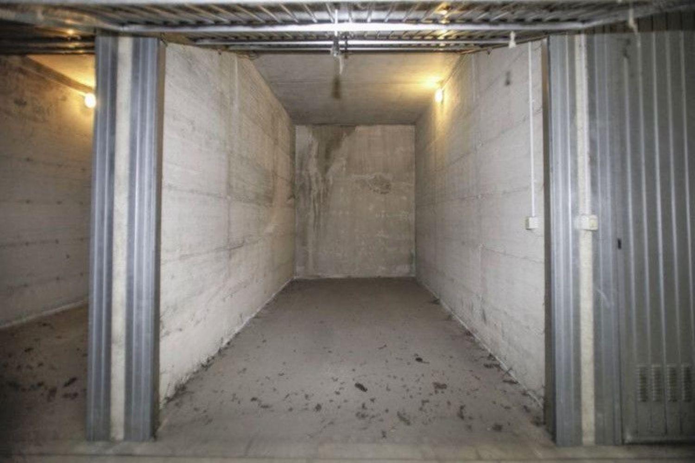 Plafoniere Garage : Garage in vendita via fratelli zoia baggio milano