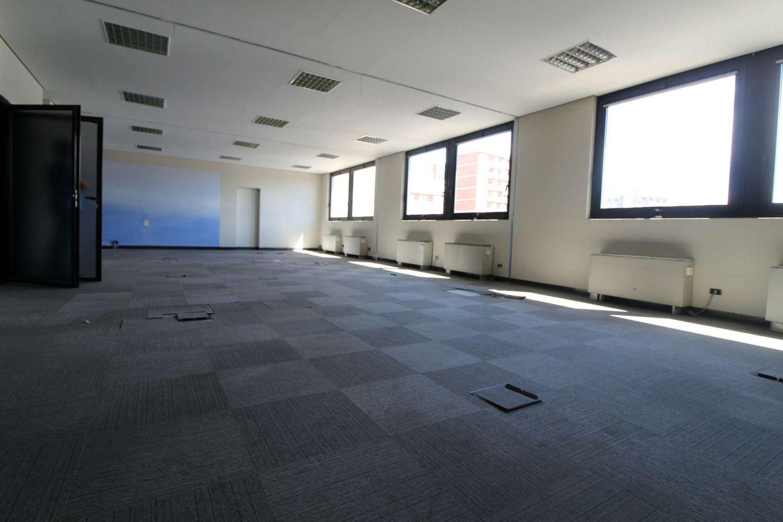Ufficio In Condivisione Torino : Affitto di ufficio in via trecate pozzo strada torino