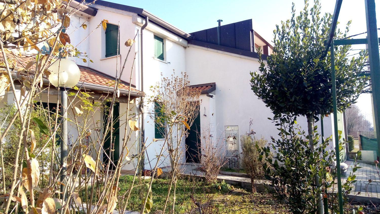 Lavanderia Bagnoli : Villa in vendita in via bagnoli cadoneghe