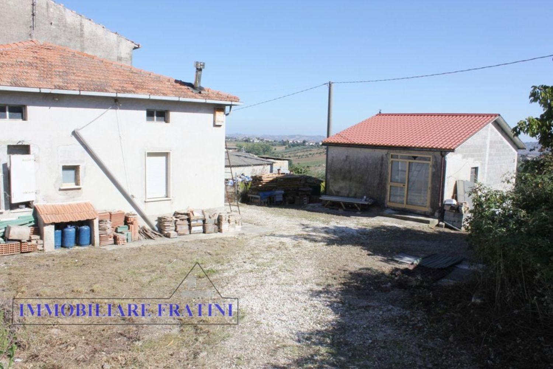 Casa indipendente in vendita a Area Residenziale Santa Reparata ...