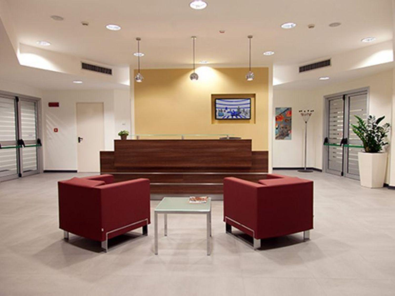 Scrivanie Ufficio Novara : Prezzi scrivanie per ufficio mobile classificatore ufficio
