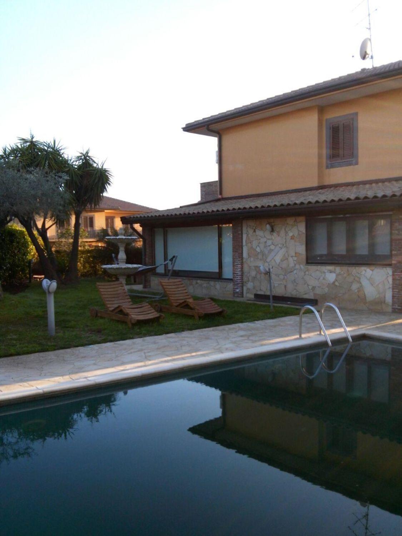 Vendita Piscine A Catania villetta bifamiliare in vendita a area residenziale apollo