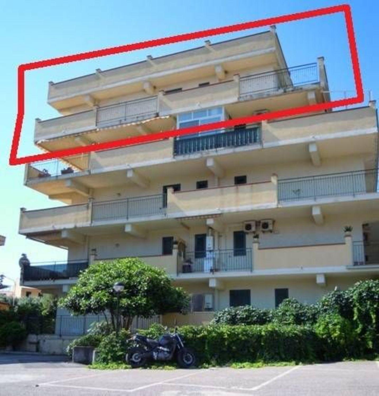 Attico in vendita a Area Residenziale Santa Teresa di Riva, Santa ...