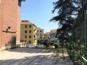 Casas Y Pisos Con Terraza En San Donato Fiera Bologna