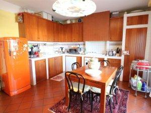 Case Toscane Immobiliare Pontedera : Case con giardino a pontedera pisa u idealista