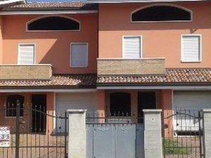 819845d3f7 Case e ville a Goro, Ferrara — idealista