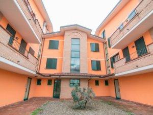 Case con terrazza a Lodi provincia — idealista