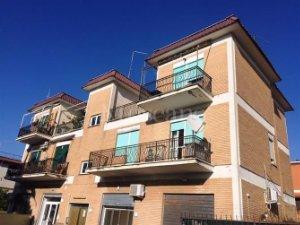 Locali o capannoni in Casal Palocco-Infernetto, Roma — idealista