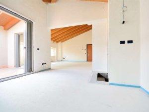 Case con terrazza a Besana in Brianza, Monza-Brianza — idealista
