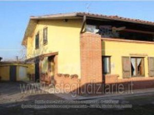 Property for sale in Rovato, Brescia, Italy: houses and flats up to