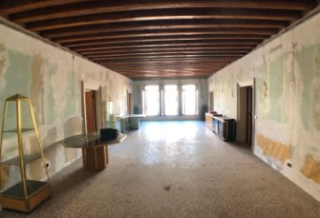 Property for sale in Venezia, Italy: houses and flats